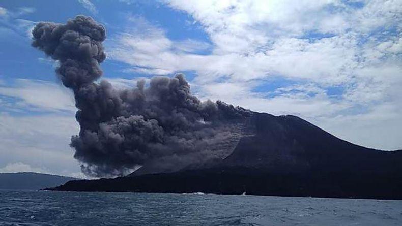 Tsunami, BMKG Diguga Karena Erupsi Gunung Krakatau