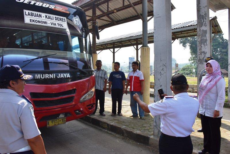 Pemprov Banten - Wakil Bupati Pandeglang Harus awasi Tarif Bis Terminal Labuan