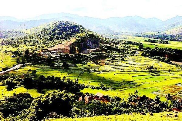 Objek Wisata Religi Gunung Santri