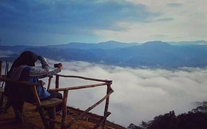 Pesona Alam Gunung Luhur