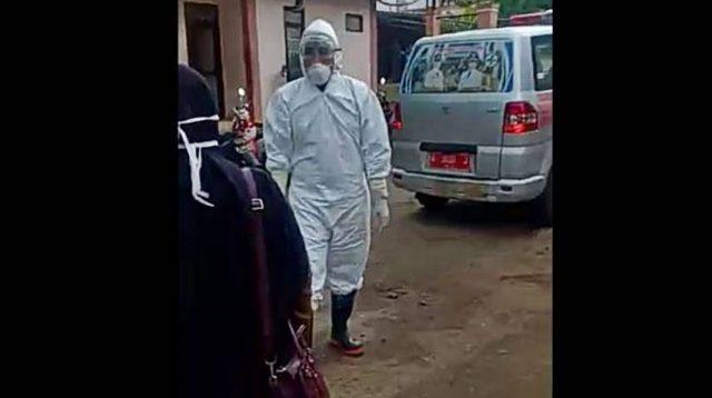 Tangkapan layar video pasien suspect Corona yang dibawa menggunakan ambulans menuju RSUD Berkah Pandeglang