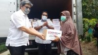 Menjelang Idul Fitri, Sinar Mas Land Serahkan Paket Bingkisan Lebaran Bersama Rano Karno Kepada Warga Terdampak Covid-19