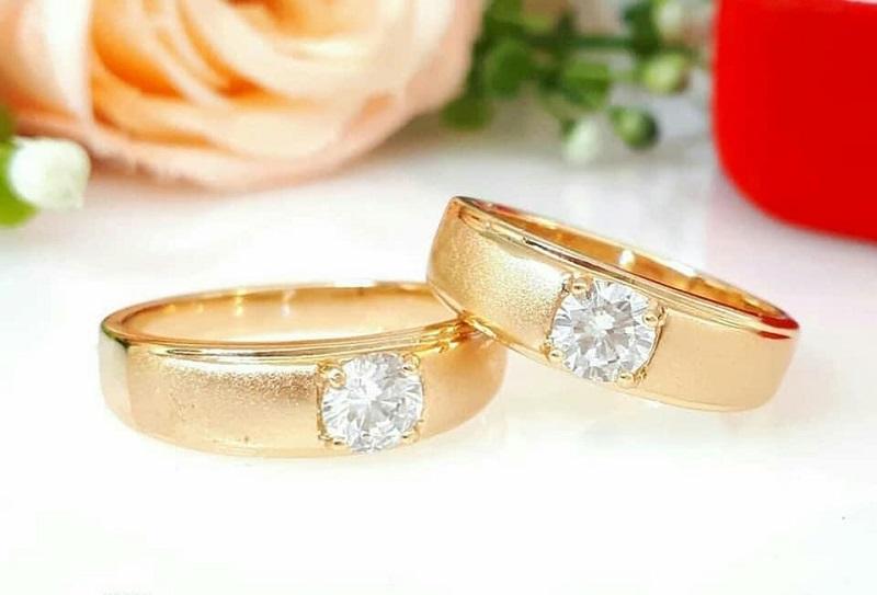 6 Jenis Logam Selain Emas sebagai Bahan Cincin Kawin untuk Pria Muslim