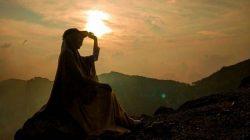 Tak Ada yang Tahu Bagaimana Allah Akan Menolongmu, Tapi Pastikan Kamu Yakin Dengan Sangat Yakin Kepada-Nya