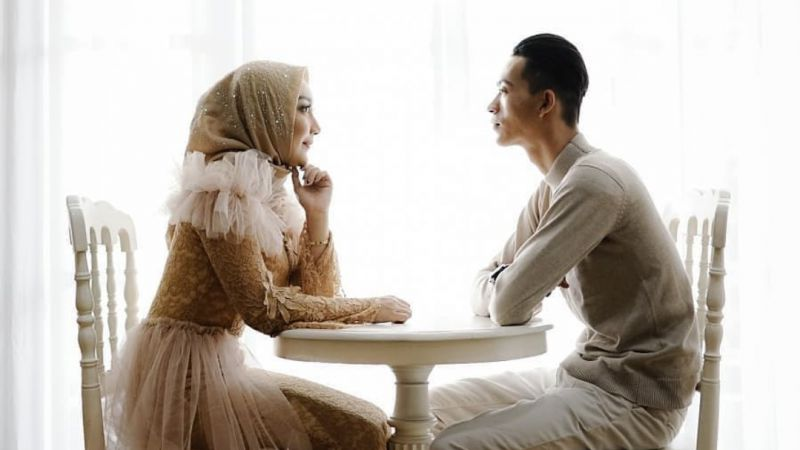 Buat Apa Cantik Kalau Makan Hati, Lebih Baik Biasa Saja Tapi Perhatian dan Sayang Suami