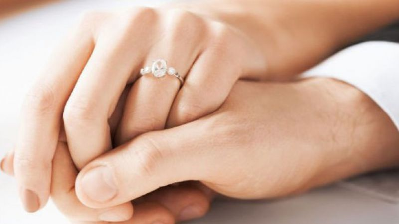 5 Tanda Suamimu Masih Mencintaimu Meski Ia Mengkhiantaimu
