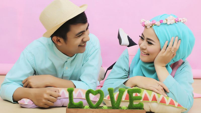 Penelitian: Menjalin Hubungan Dengan Pria Lebih Muda Bikin Wanita Lebih Bahagia