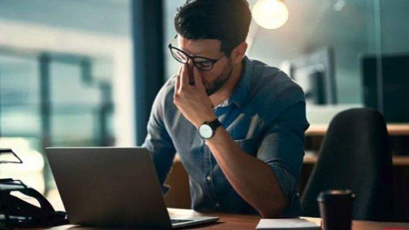 Menurut Ahli, Terlalu Banyak Bekerja Dapat Merusak Hubungan