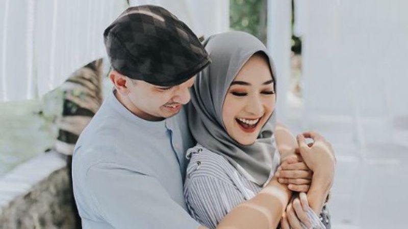 Jika Suami Lakukan 6 Hal Ini, Berarti Kamu Istri Paling Berharga Dalam Hidupnya