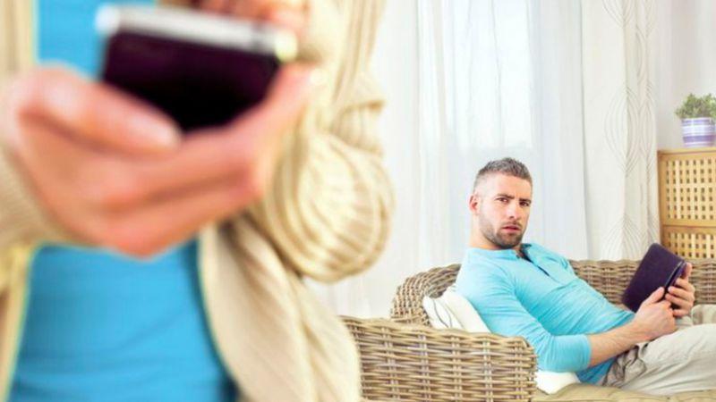 5 Dampak Buruk Pada Hubungan Jika Berlebihan Menggunakan Sosial Media