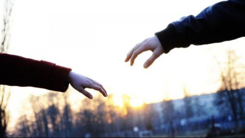 5 Tanda Bahwa Kamu dan Dia Punya Cinta Sejati Meski Sedang LDR