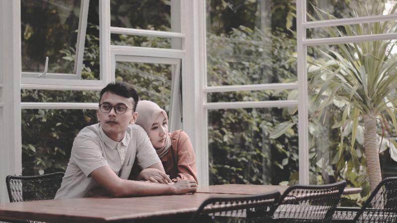 Saat Pasangan Sedih, Hindari Melakukan Hal Ini Kepadanya