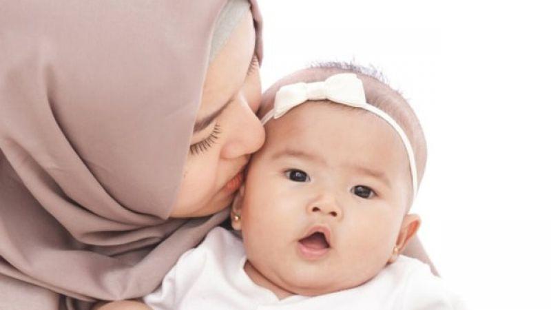 Hati-hati, Saat Mencium Bayi Kamu Bisa Menularkan 4 Penyakit Ini