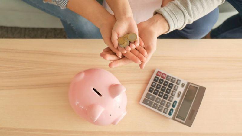 Ahli Sarankan Pasangan Suami-Istri Untuk Mengelola Keuangan Bersama