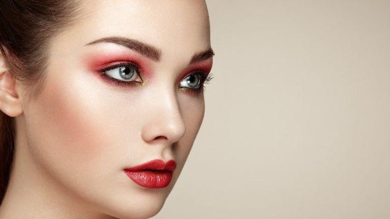 Bukan Salah Mereknya, Ini yang Bikin Lipstik Kamu Cepat Luntur