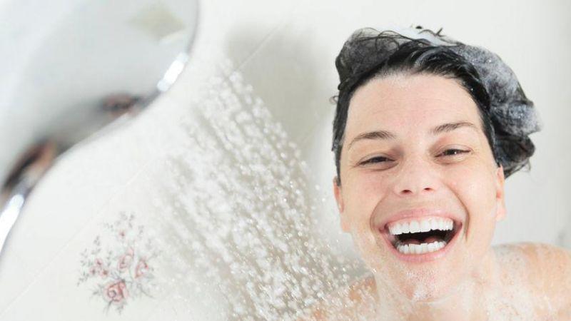 Jangan Takut Mandi Air Dingin di Pagi Hari, Ini 7 Manfaatnya