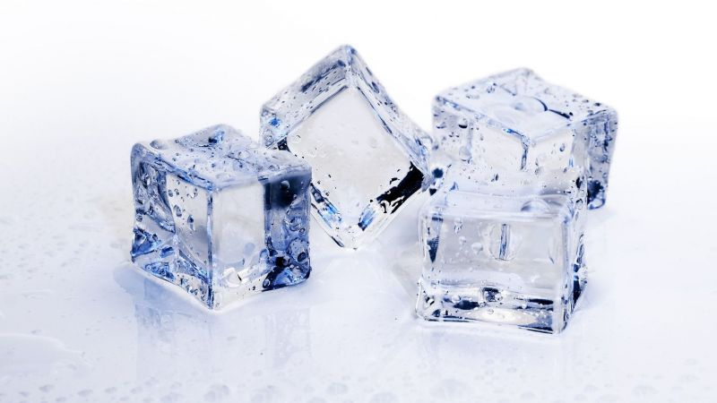 Ternyata Es Batu Bikin Awet Muda dan Wajah Cantik, Ini Manfaat Lainnya