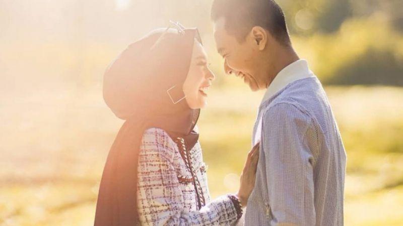 Curhat Sama Pasangan Bikin Lega dan Meringankan Beban, Ini Manfaat Lainnya