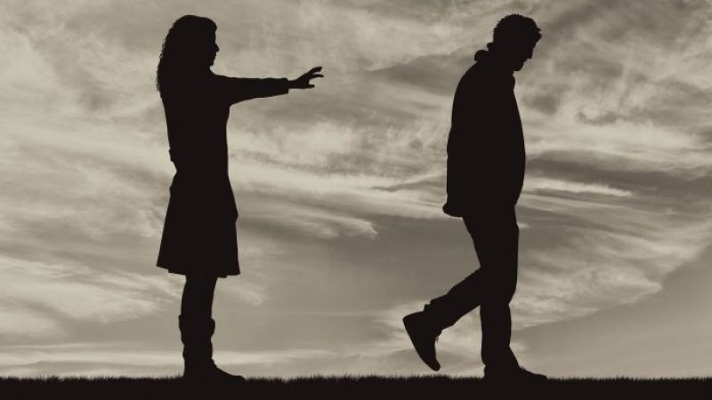 5 Dampak Buruk Membandingkan Pasangan Dengan Mantan Pacar