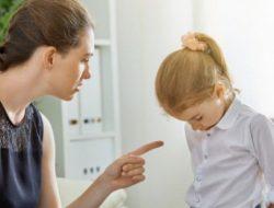 Jangan Memarahi Anak di Tempat Umum, Ini Dampak Buruknya
