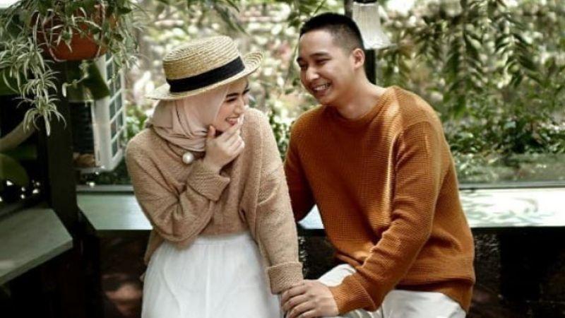 5 Cara Mengkritik Pasangan Tanpa Menyinggung Perasaannya