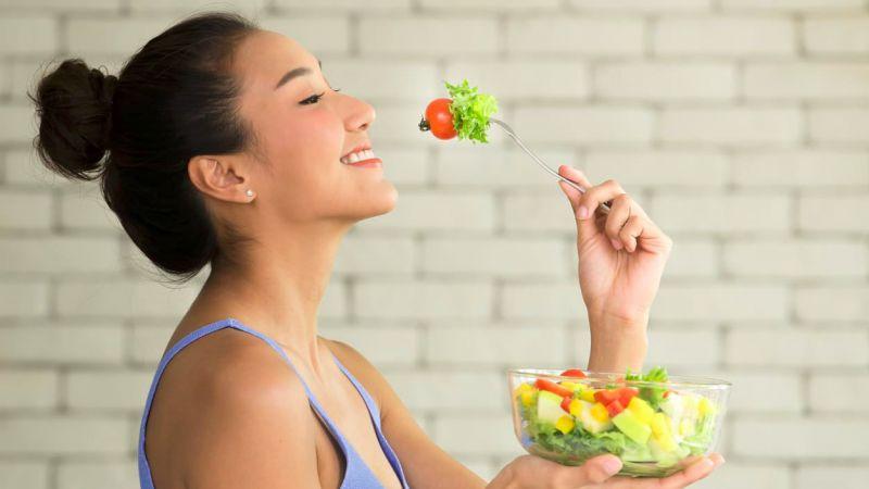 Konsumsi 5 Makanan Ini Untuk Dapatkan Kulit Wajah Glowing