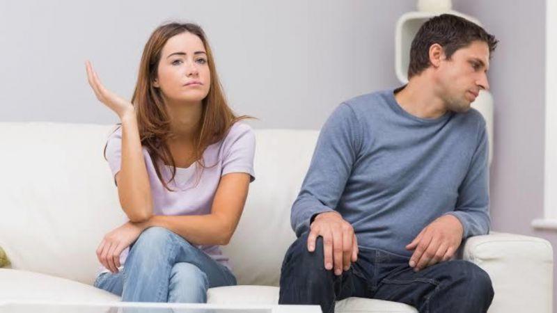 Pasanganmu Tidak Terbuka? Mungkin Disebabkan Oleh 4 Hal Ini