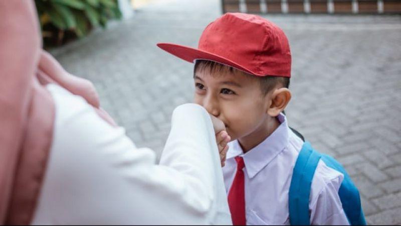 3 Tips Mengajari Anak Agar Jadi Pribadi yang Sopan, Khususnya di Tempat Umum