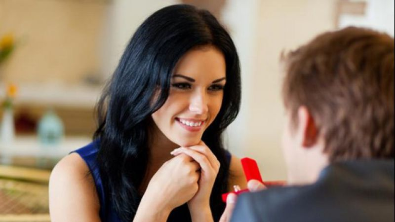 3 Hal yang Bikin Wanita Gampang Jatuh Cinta Pada Playboy