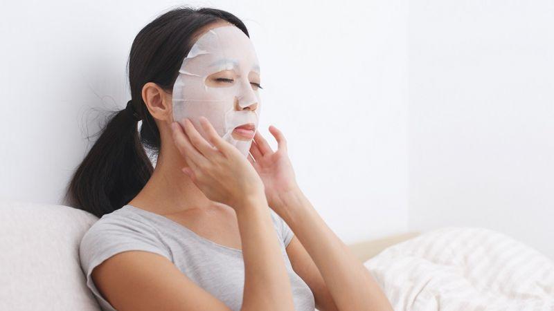 Untuk Hasil yang Maksimal, Lakukan 7 Tips Ini Saat Menggunakan Sheet Mask