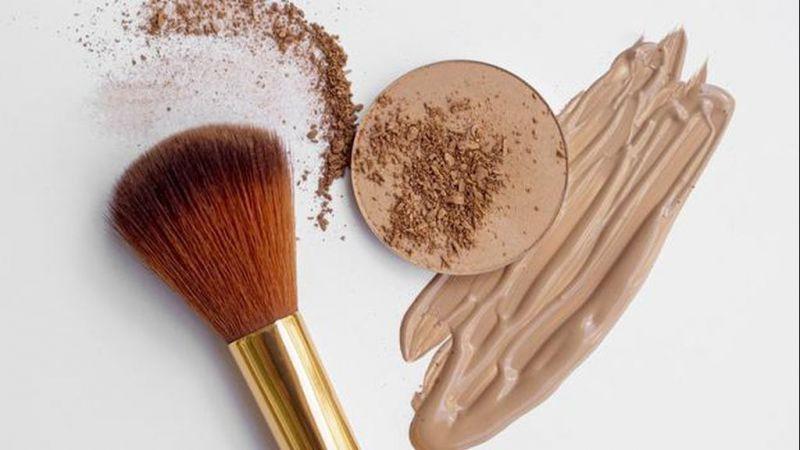 4 Dampak Negatif Jika Kamu Tidak Membersihkan Brush Make Up