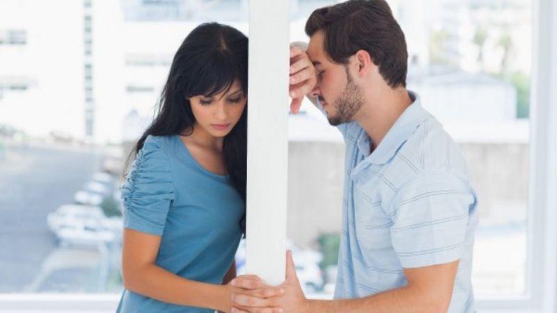 5 Tanda Dia Tidak Begitu Mencintaimu, Maka Berhentilah Berjuang Sendirian