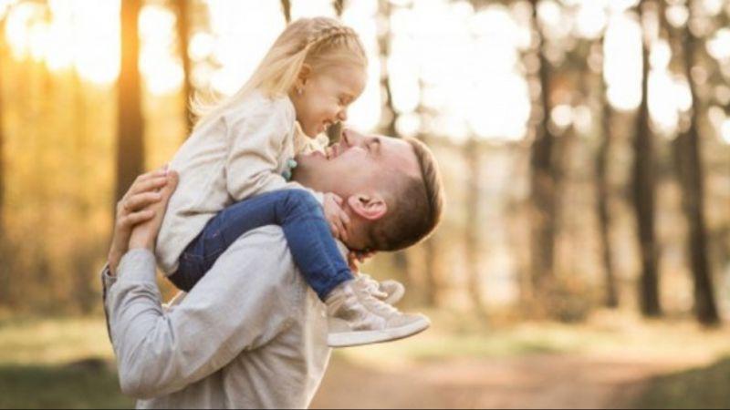 Anak Gadis Lebih Dekat Sama Ayah Ketimbang Ibu, Penelitian Ini Membuktikannya