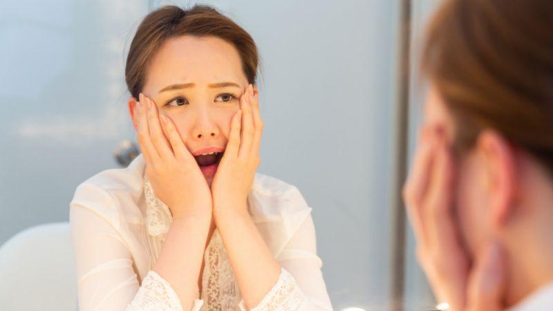 Hindari 6 Kebiasaan Ini Jika Tak Ingin Pori-pori Wajah Tersumbat dan Rusak