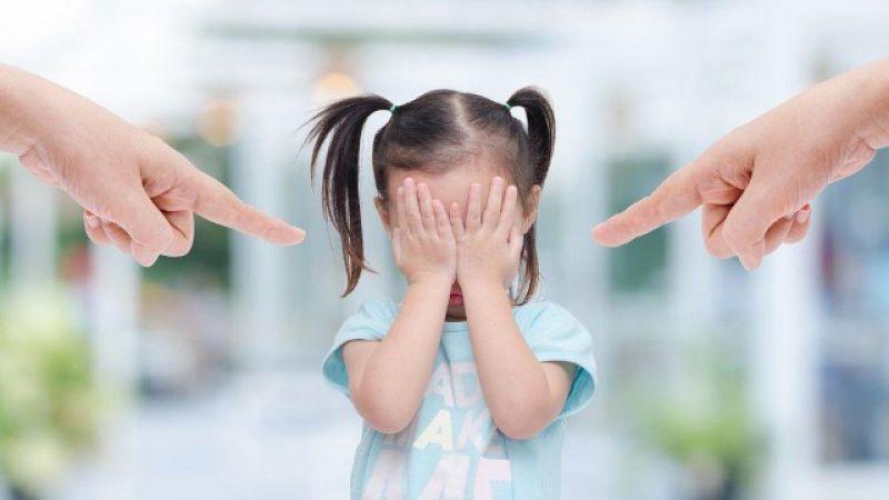 3 Hal Buruk yang Akan Dialami Anak Jika Dimarahi Orang Tua di Tempat Umum