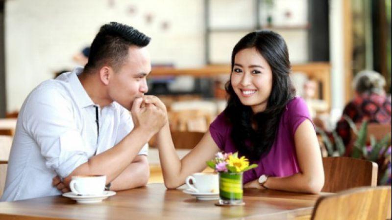 5 Kode Dari Pacar Kalau Sebenarnya Dia Ingin Segera Menikah Denganmu