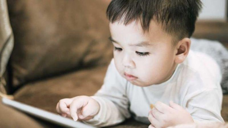 Ciri-ciri Anak Terlambat Bicara Karena Gadget, Begini Cara Mengatasi dan Pencegahannya