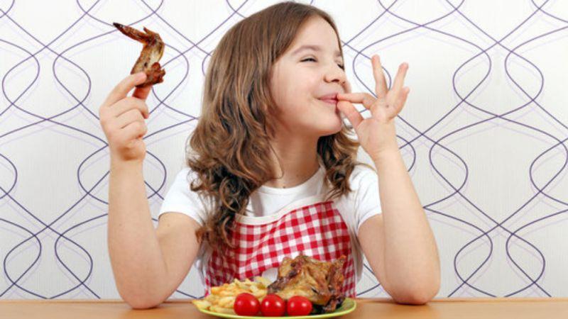 Penelitian: Anak Tidak Boleh Makan Sayap Ayam, Bisa Merusak DNA
