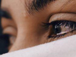 Menangislah Jika Bebanmu Terasa Berat, Karena Air Mata Adalah Doa Disaat Kamu Tak Mampu Bicara