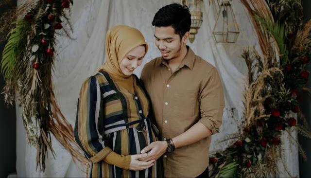 Ini 4 Manfaat Suami Sering Mengelus Perut Istri yang Sedang Hamil