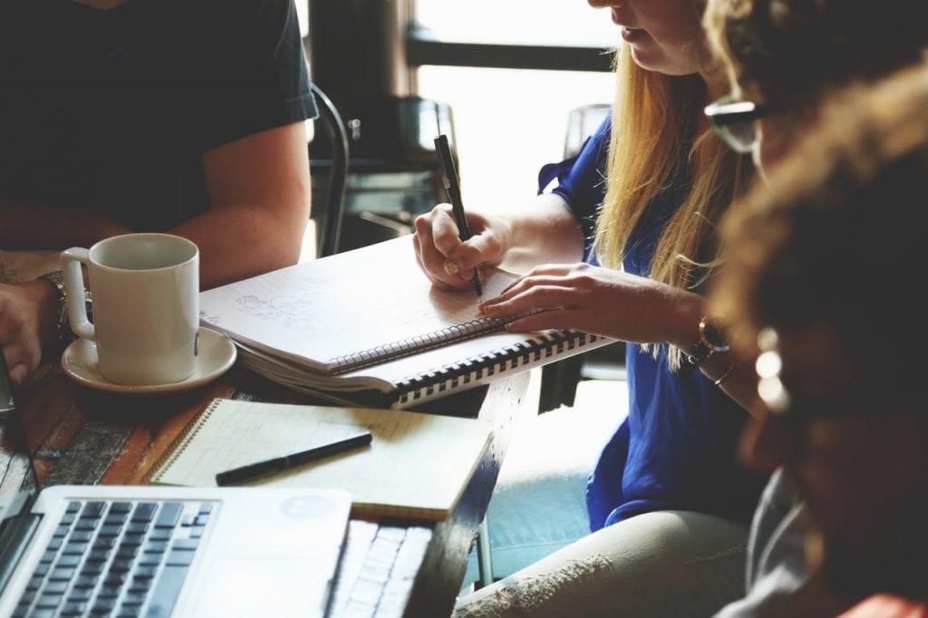 Employee Engagement dan 4 Kegiatan Positif untuk Membuat Karyawan Produktif
