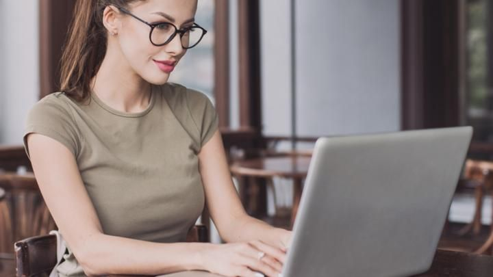 6 Cara Dapat Uang Dari Internet Tanpa Harus Meninggalkan Rumah. Nomer 2 Yang Paling Laris!