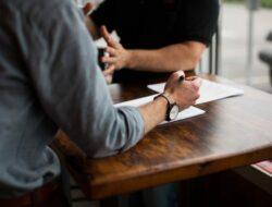 Benci Pada Bos? 5 Tips Bijak Ini Solusinya